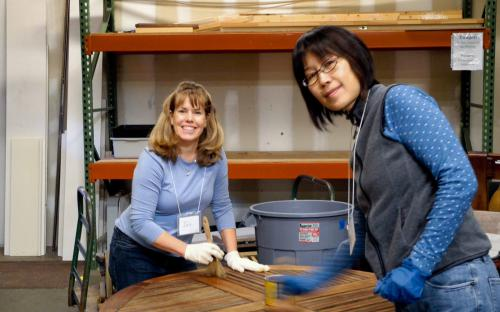 Jan Tolman & Min Zhong finish a table